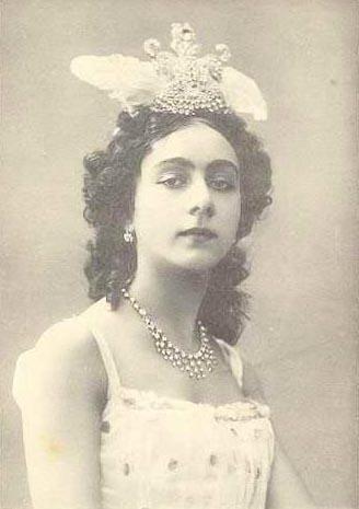 Karalli, Vera