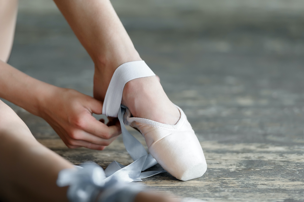 how do pointe shoes fit